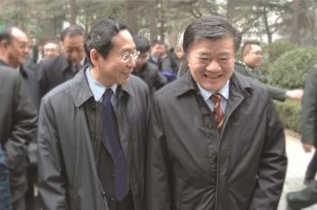 毕宏生院长向全国人大常委会副委员长、农工党中央主席陈竺汇报工作