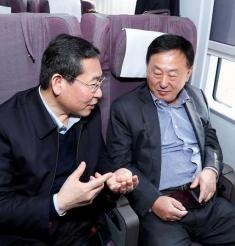 大众日报:赴京途中住鲁代表吐心声,听听他们说了啥?