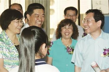 毕宏生教授与省卫生健康委主任袭燕参加青少年视力低下防治活动